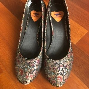 Rocket Dog Floral Wedge Size 10